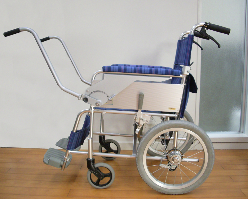 対面ハンドルふれあい付車椅子